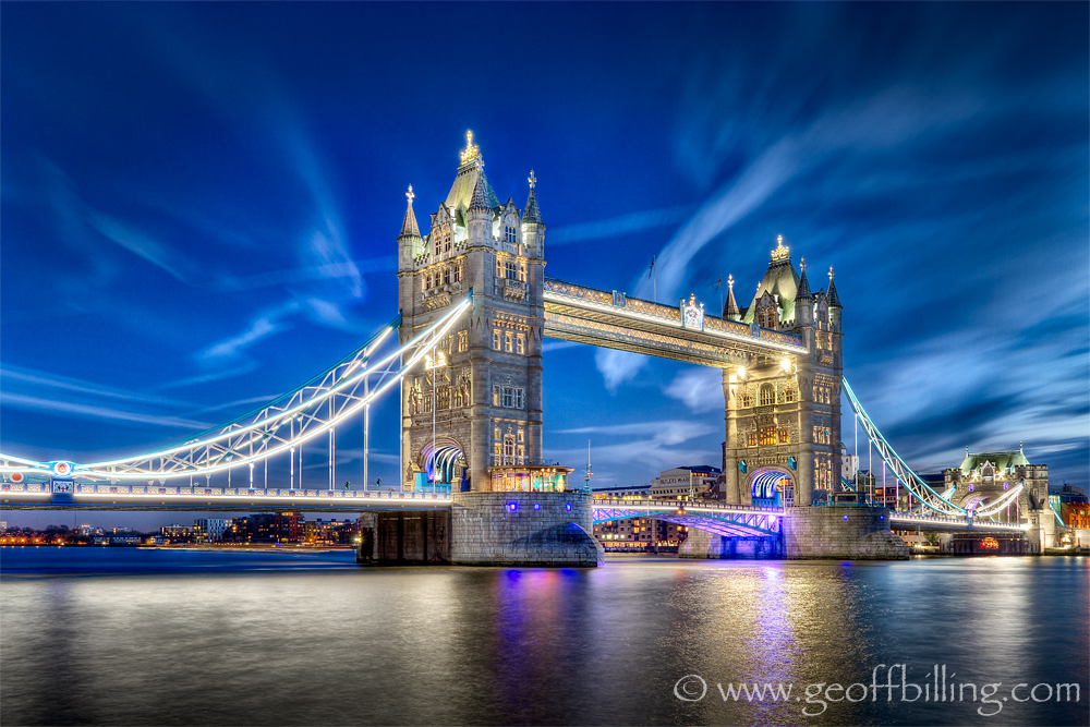 IMAGE: http://geoffwah.files.wordpress.com/2012/12/london_tower_bridge_at_night.jpg